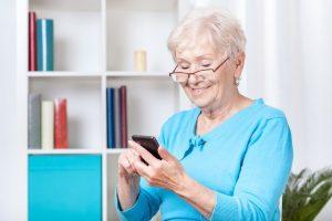 senior living at home alone
